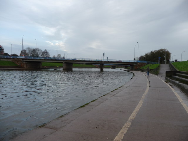 Exeter : The River Exe & Path
