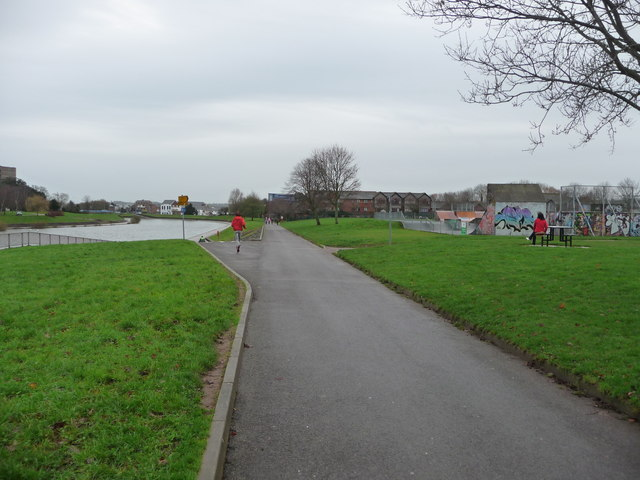 Exeter : Riverside Path & Playground