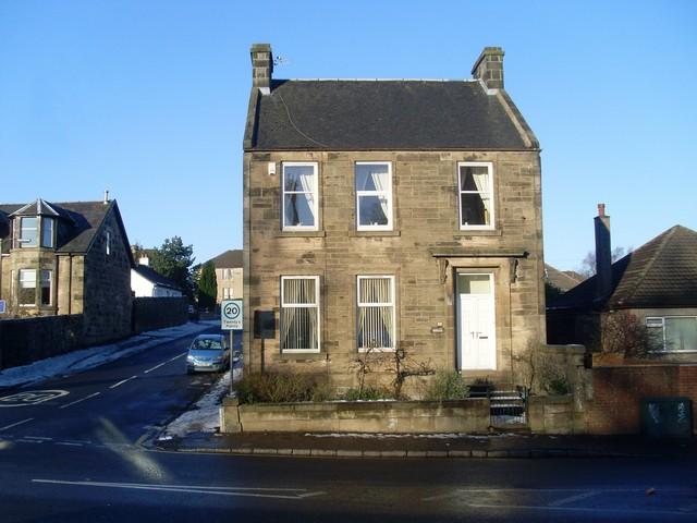 Small house on Elderslie's Main Road