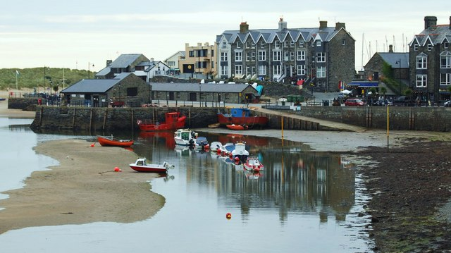 Abermaw harbour at low tide