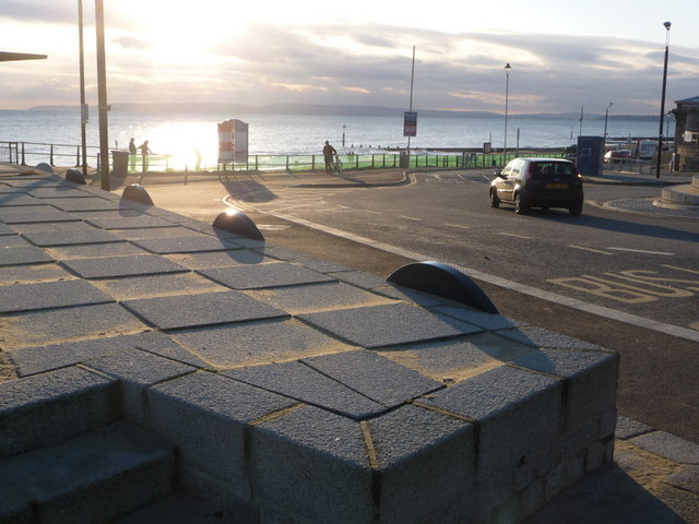 Boscombe: uneven chequered paving at the Pier Approach