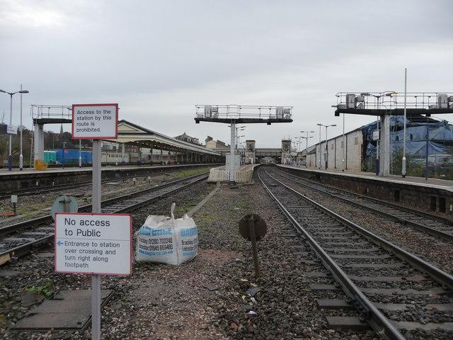 Exeter : Exeter St David's Station