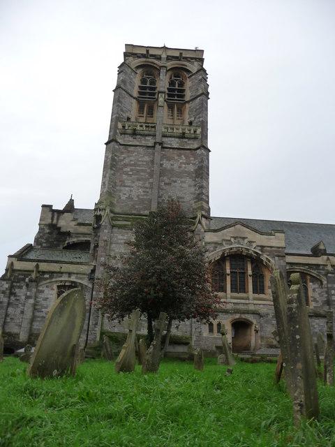 Exeter : St David's Church & Churchyard