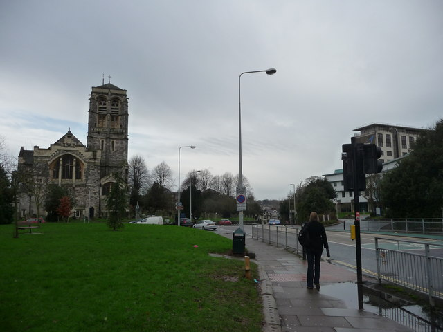 Exeter : St David's Church & Hele Road