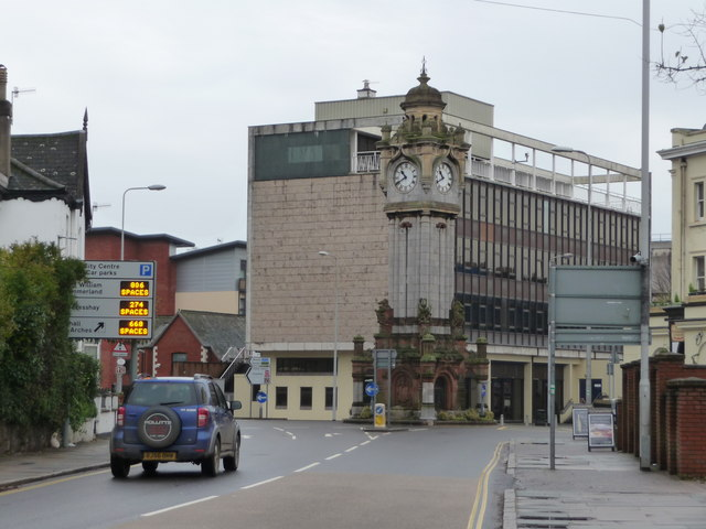 Exeter : New North Road & Clock Tower