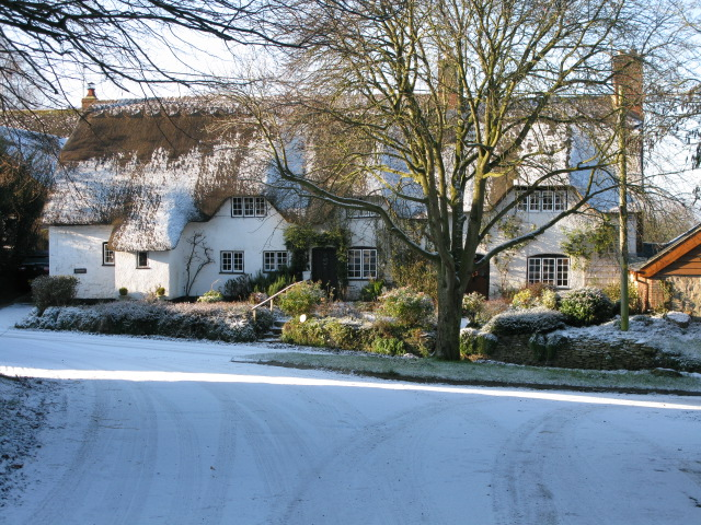 Thatched cottages on Church Row, Hinton Parva