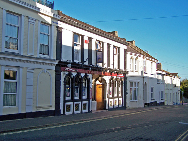 The Crown and Sceptre, Petitor Road
