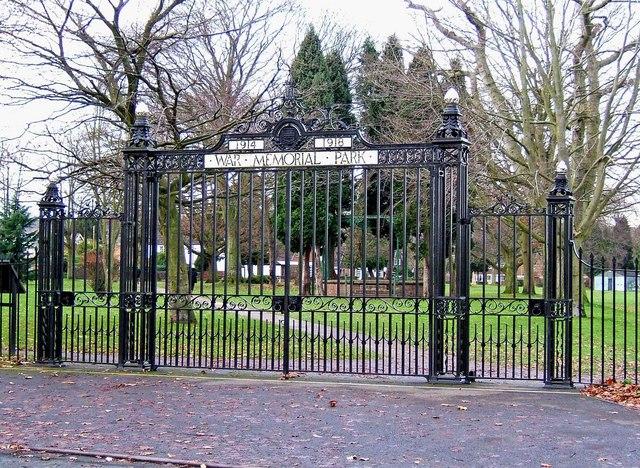 Stourport War Memorial Park - gates on Park Avenue