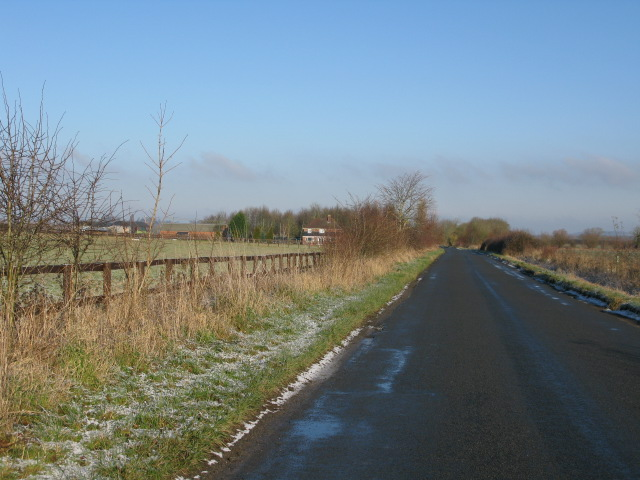 View N along the Bourton road, near Lower Farm