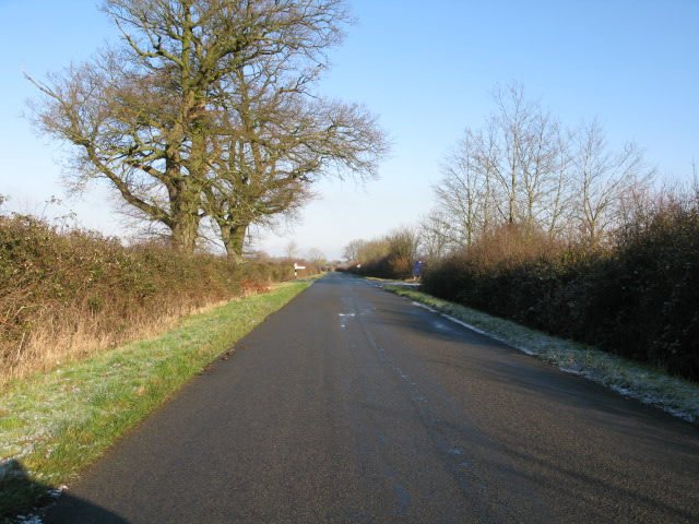 Approaching the Bishopstone turning on the road to Bourton