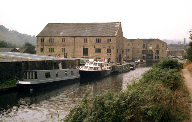 Calder and Hebble Canal, Sowerby Bridge