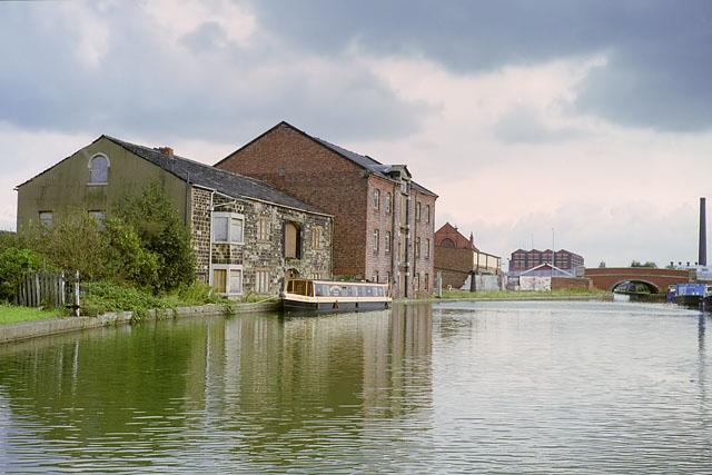Canal buildings, Leigh