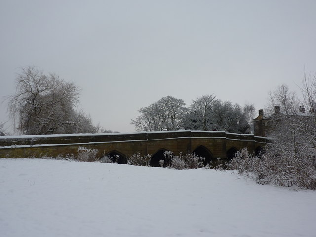 The bridge over the River Wye, Bakewell, in the snow