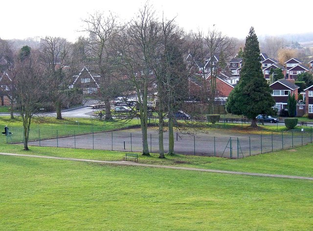 Stourport War Memorial Park - tennis courts