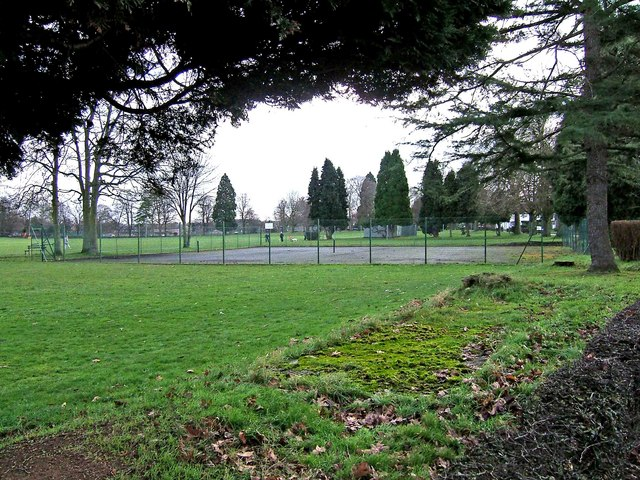 Stourport War Memorial Park - tennis courts