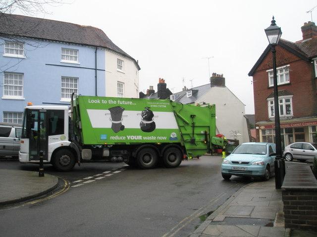 Dustcart in Surrey Street