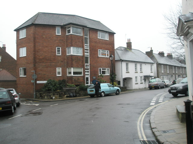 Staggered crossroads of The Slipe, Surrey Street and Park Place