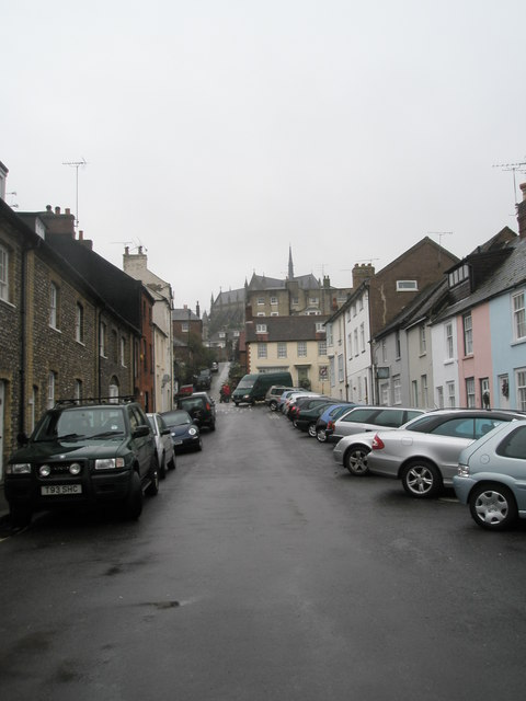 A wet and windy afternoon in Arun Street