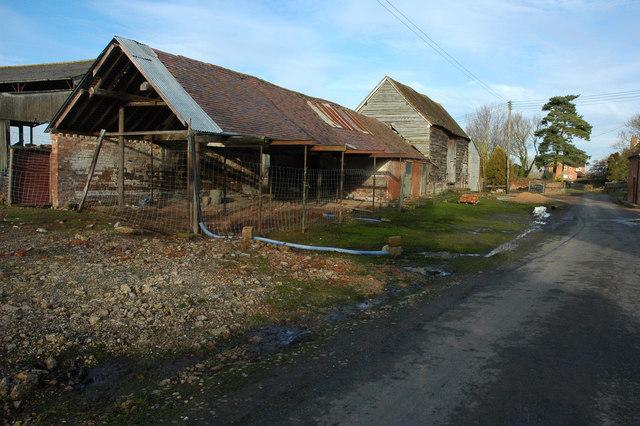 Former farm buildings, Morton Underhill Farm