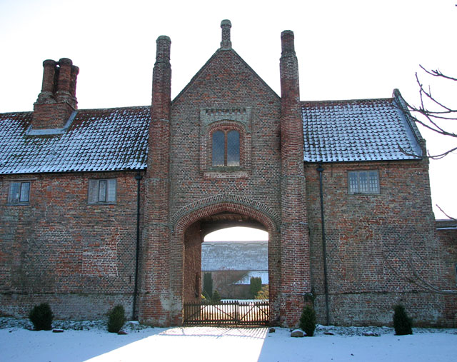 Gateway into Hales Hall