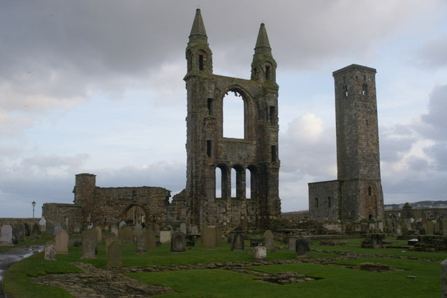 St Rule's Tower and ruins of St Andrews Cathedral