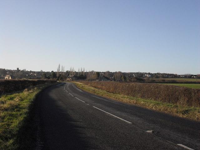 The B4019 towards Highworth