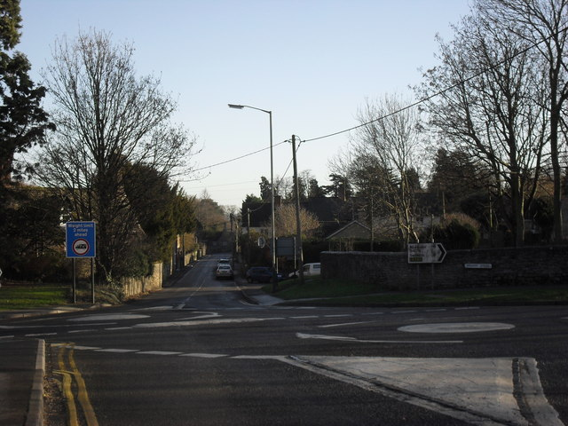 Approaching the mini roundabouts on Highworth high street