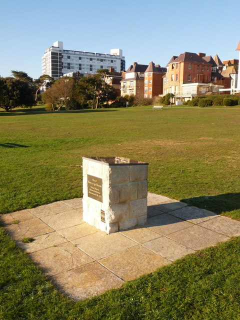 Bournemouth: toposcope on site of Bronze Age barrow