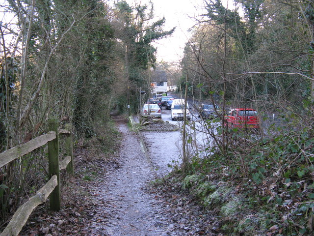 Footpath along side the car park of the Boars Head