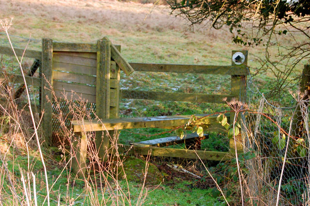 Stile on the footpath from Staverton to Badby