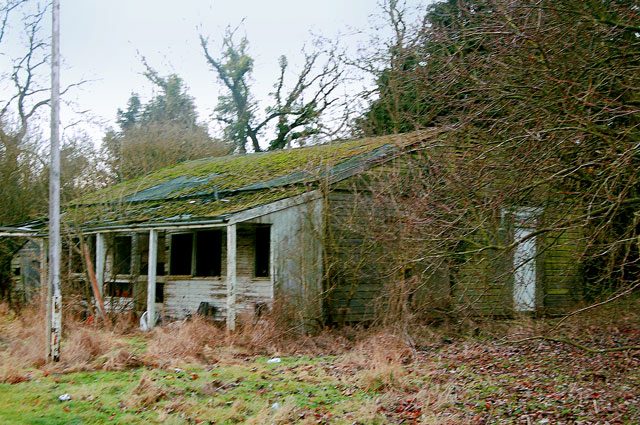 Derelict sports pavilion, Staverton