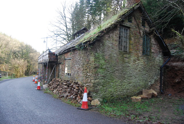 Repairing an old barn, New Mill, Luxborough