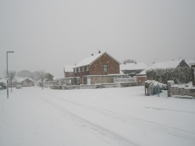 Approaching the junction of  a snowy Hooks Lane and Talbot Road