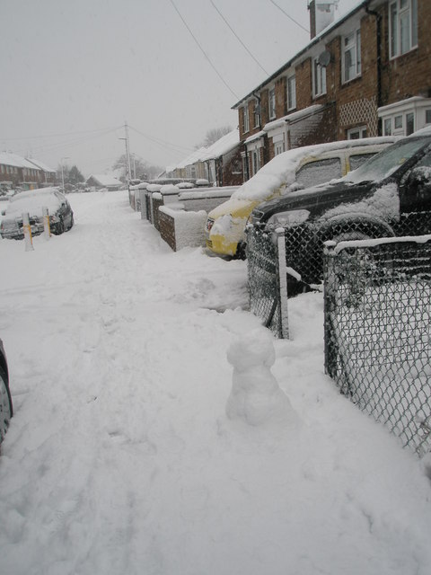 A snowy pavement in Hooks Lane
