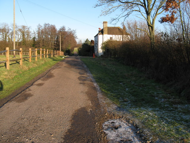 Old Wickhurst Lane passing Rose Cottages