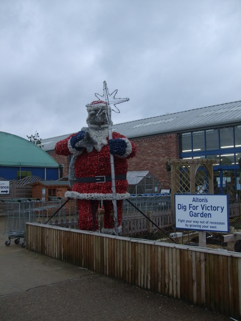 Santa Digs for Victory in North Benfleet