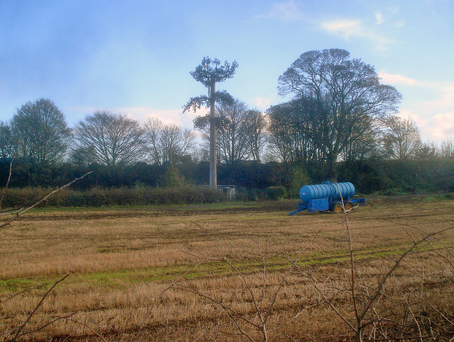 Communications mast near Linby