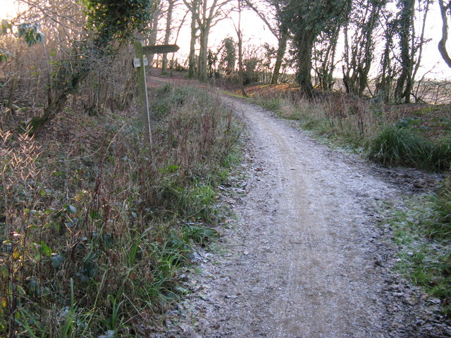 Footpath for Wellcross Grange leaving bridleway to the Downs Link path