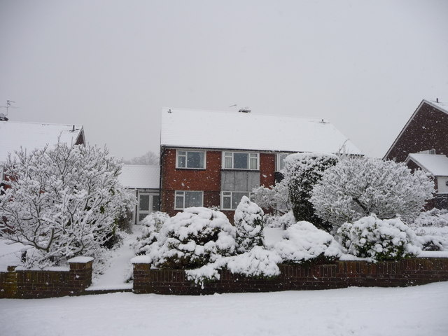 Gerrards Close in the snow, London N14