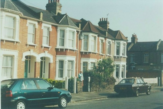 Clandon Road, Seven Kings: 1997
