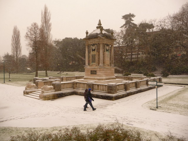 Bournemouth: the cenotaph in snow