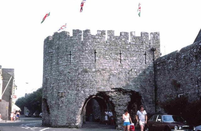 Tenby town walls