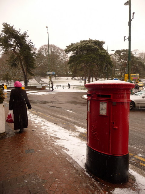 Bournemouth: a snow-topped postbox and a pink hat