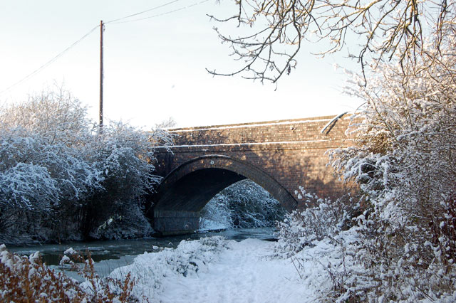 Snow and ice at bridge 19, Grand Union Canal