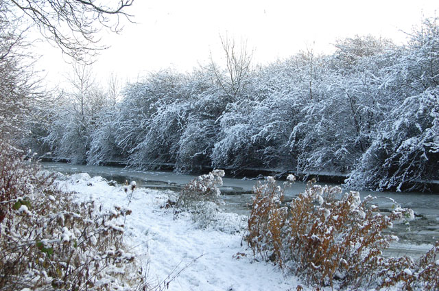 Snow and ice, Grand Union Canal, Tomlow