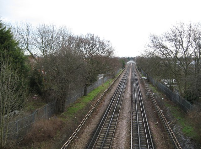 Piccadilly Line in Sudbury (1)