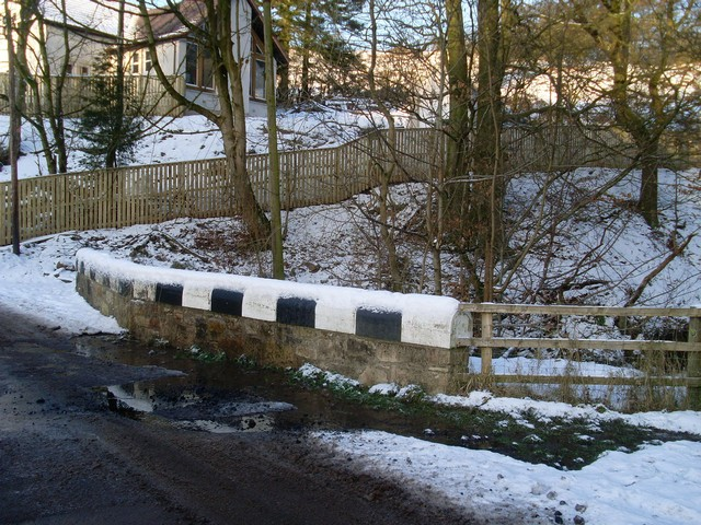 Small bridge over Killoch Burn