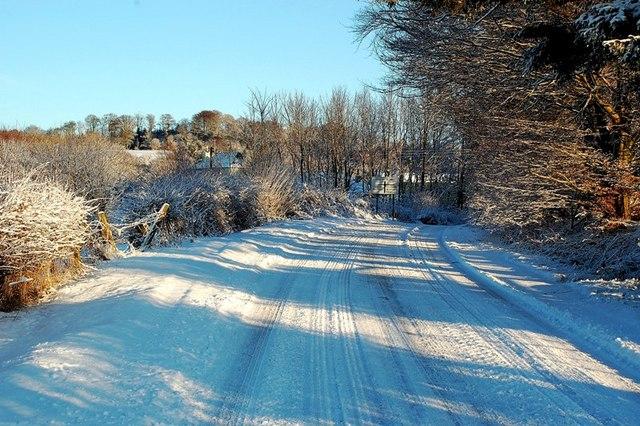 Approaching Cloyntie Farm