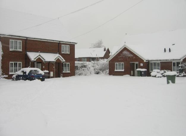 Corner housing - Baynard Close