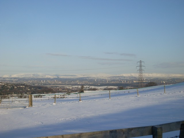 Northeast view to Glasgow from countryside near Neilston
